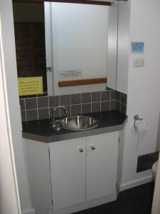 Asterix Ski Lodge Bathroom